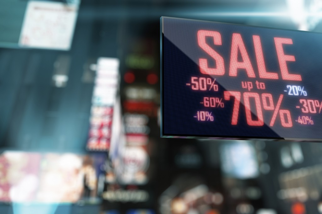 Why do you need a Pro AV control system for retail digital signage?